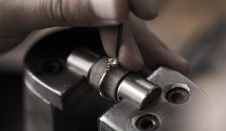 結婚指輪と婚約指輪の無料修理と永久アフターサービス