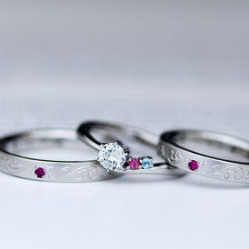 新潟のオーダージュエリー工房アトリエクラムで作られた結婚指輪と婚約指輪のセット