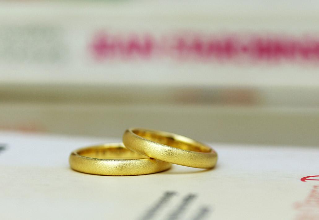 ダイヤバー仕上げの結婚指輪(マリッジリング)