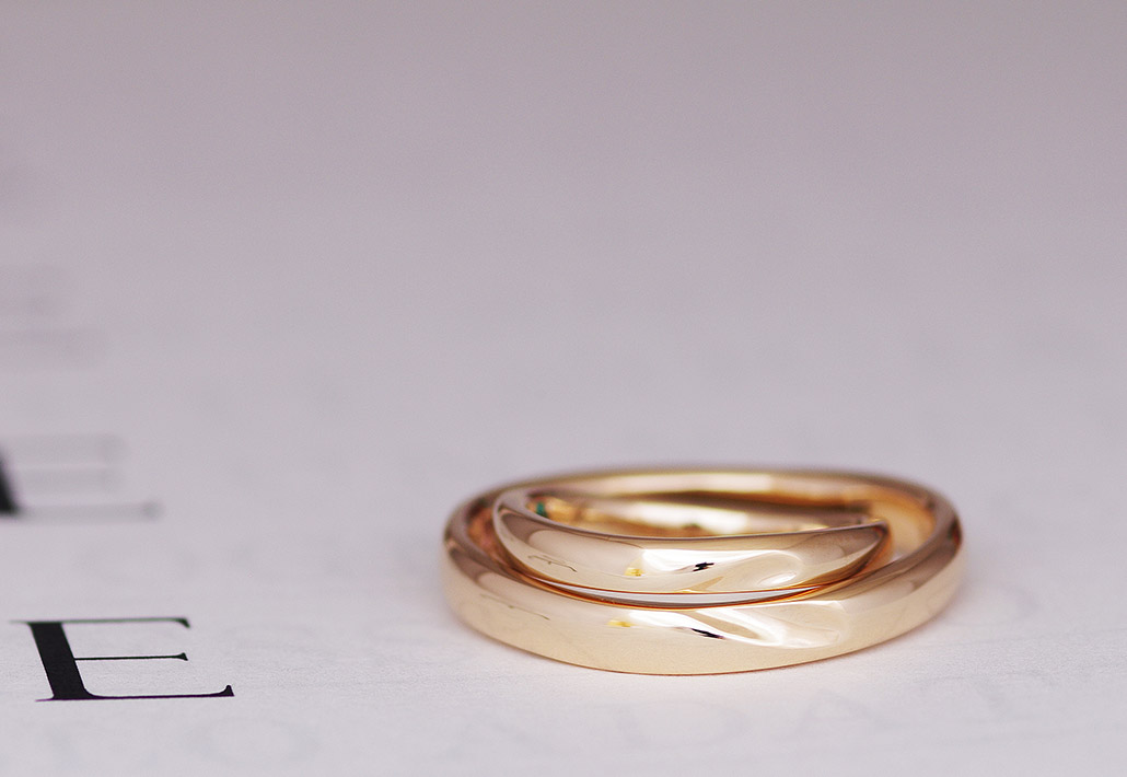 女性に人気のかわいくて肌馴染みの良いピンクゴールドの結婚指輪(マリッジリング)