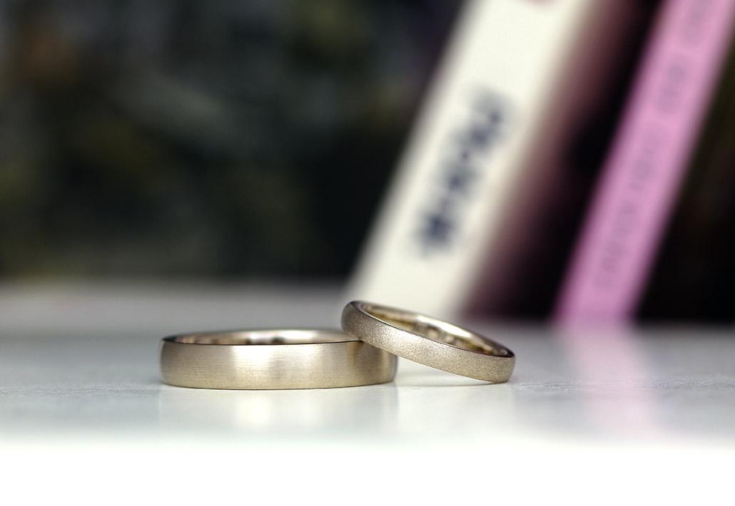 テクスチャ違いでおそろい感を出した結婚指輪