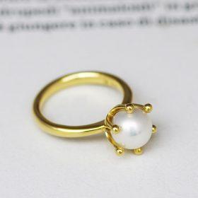 大きな持ち込みパールをリメイクしたイエローゴールドの婚約指輪(エンゲージリング)