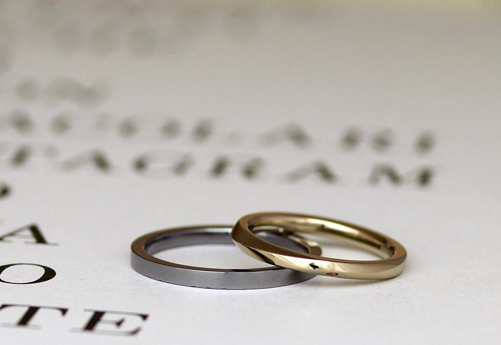 金属アレルギー対応素材のタンタルとアトリエクラムで人気ランキング上位のブラウンゴールドで作った結婚指輪(マリッジリング)