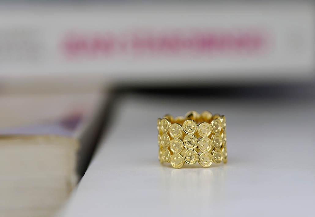 スマイルマークのオーダーメイド結婚指輪