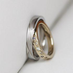 医療器具にも使用されるアレルギーフリー素材のサージカルステンレスと落ち着いた色味が男女問わず人気のアトリエクラムオリジナル素材ブラウンゴールドを使ったオーダーメイドの結婚指輪(マリッジリング)