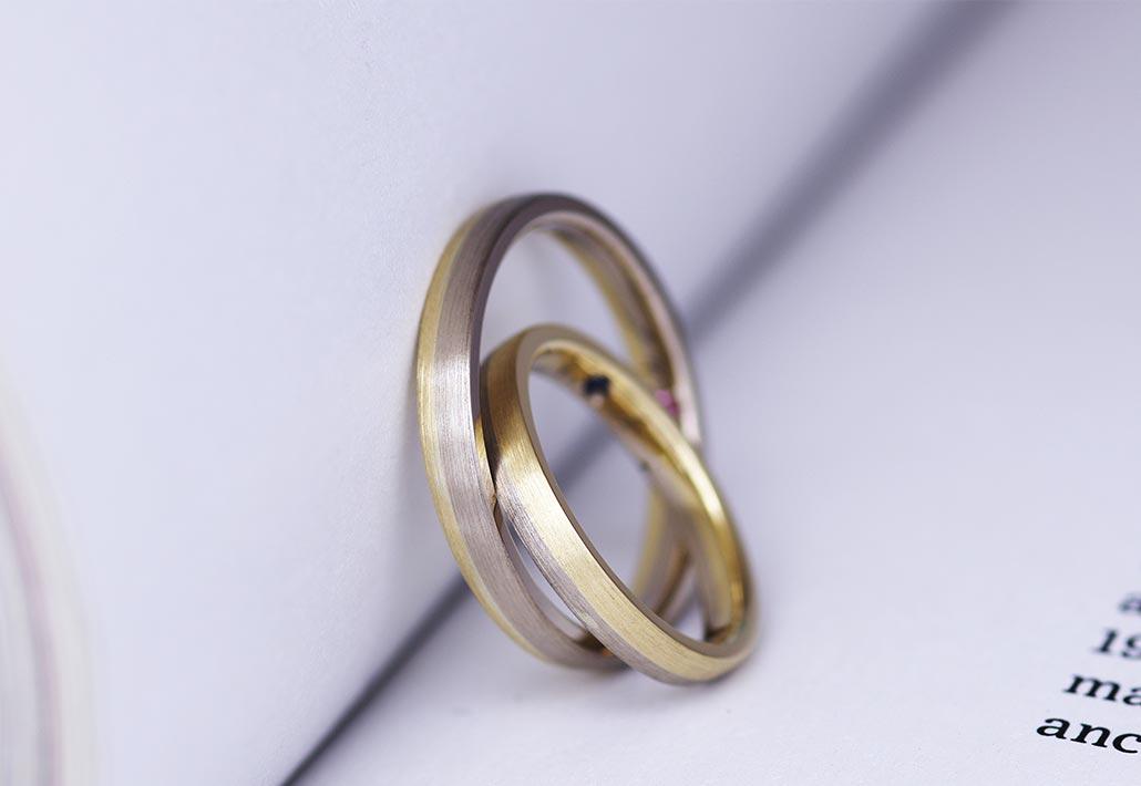 新潟市のジュエリーショップ『アトリエクラム新潟店』で手作りで作られたイエローゴールドとブラウンゴールドのコンビデザイン結婚指輪(マリッジリング)