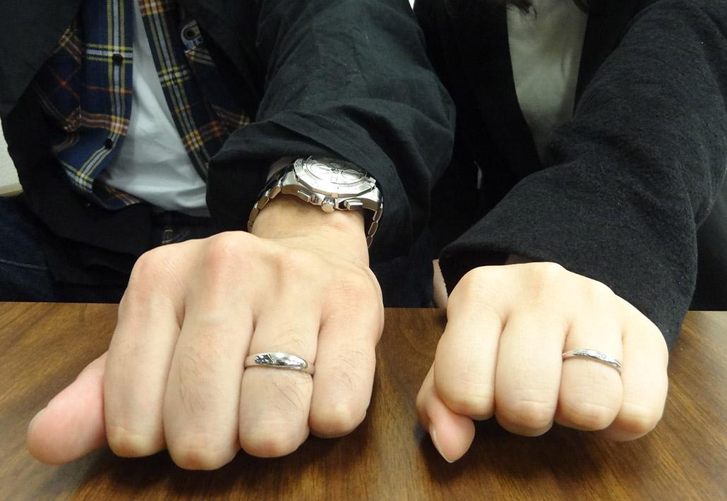 アトリエクラム長岡店で手作りした結婚指輪(マリッジリング)を受け取ったご夫婦