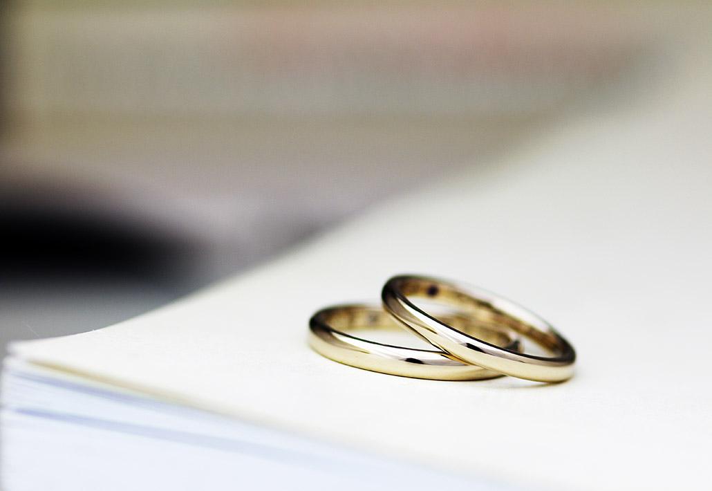 新潟のオーダーメイドブランドのカップルが自分で作るアンティークな結婚指輪