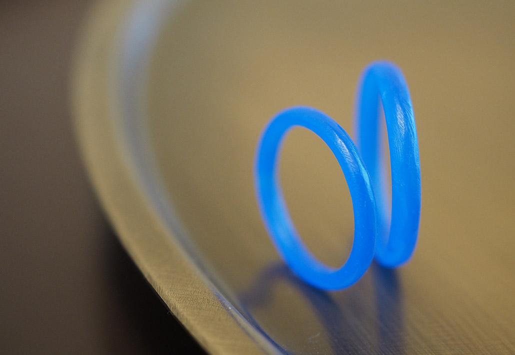 凹凸感のある素朴な雰囲気の結婚指輪(マリッジリング)のワックス原型