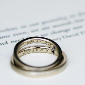 令和の入籍に向けて5月1日の日付を刻印した結婚指輪(マリッジリング)