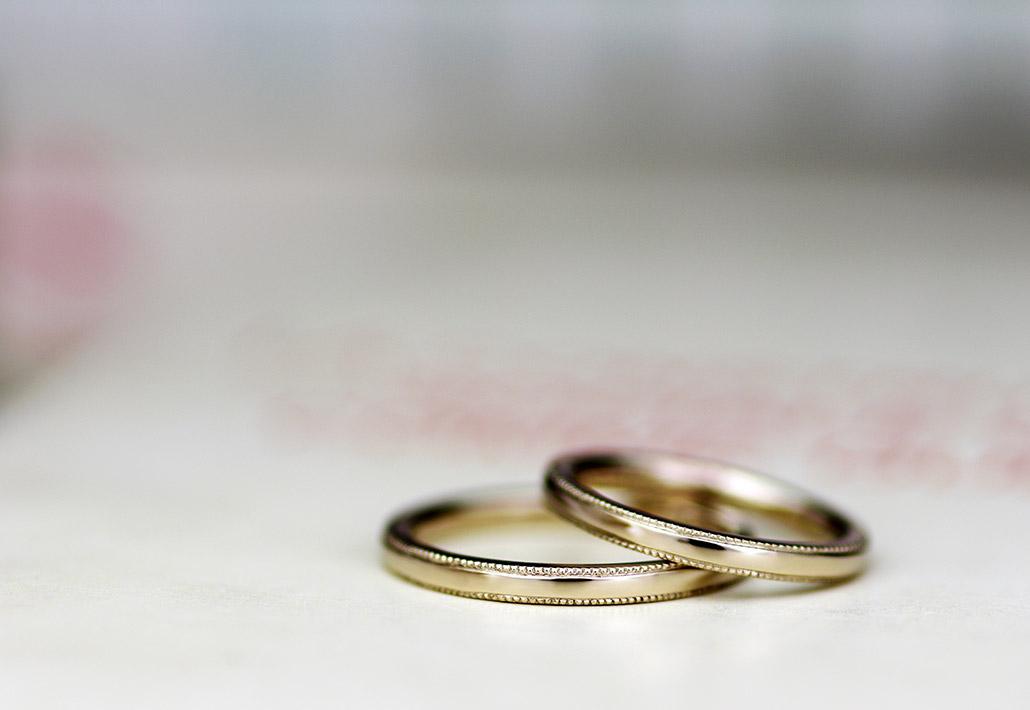 ミル加工の18金の結婚指輪(マリッジリング)