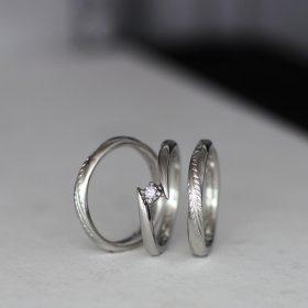 結婚指輪(マリッジリング)と婚約指輪(エンゲージリング)のセットリング