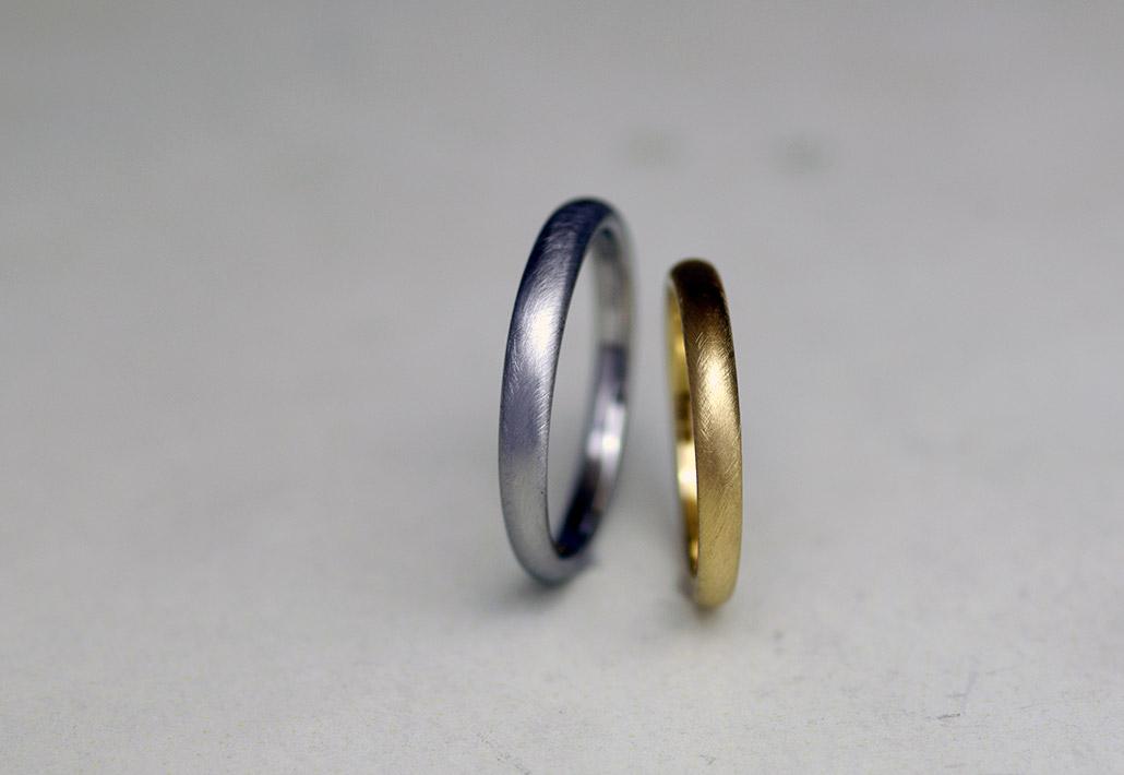 シンプルでミニマルデザインの結婚指輪