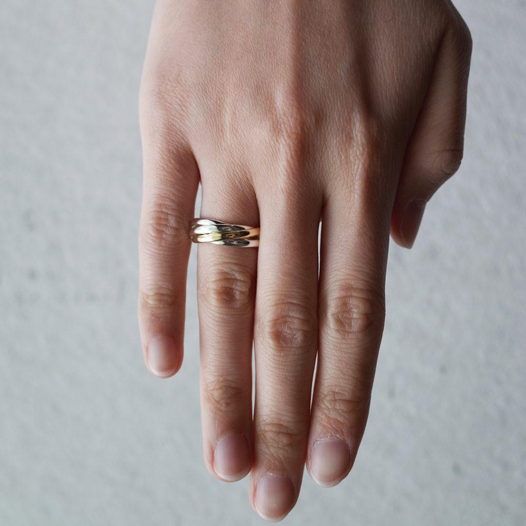 5連リングのお洒落なオーダー結婚指輪(マリッジリング)
