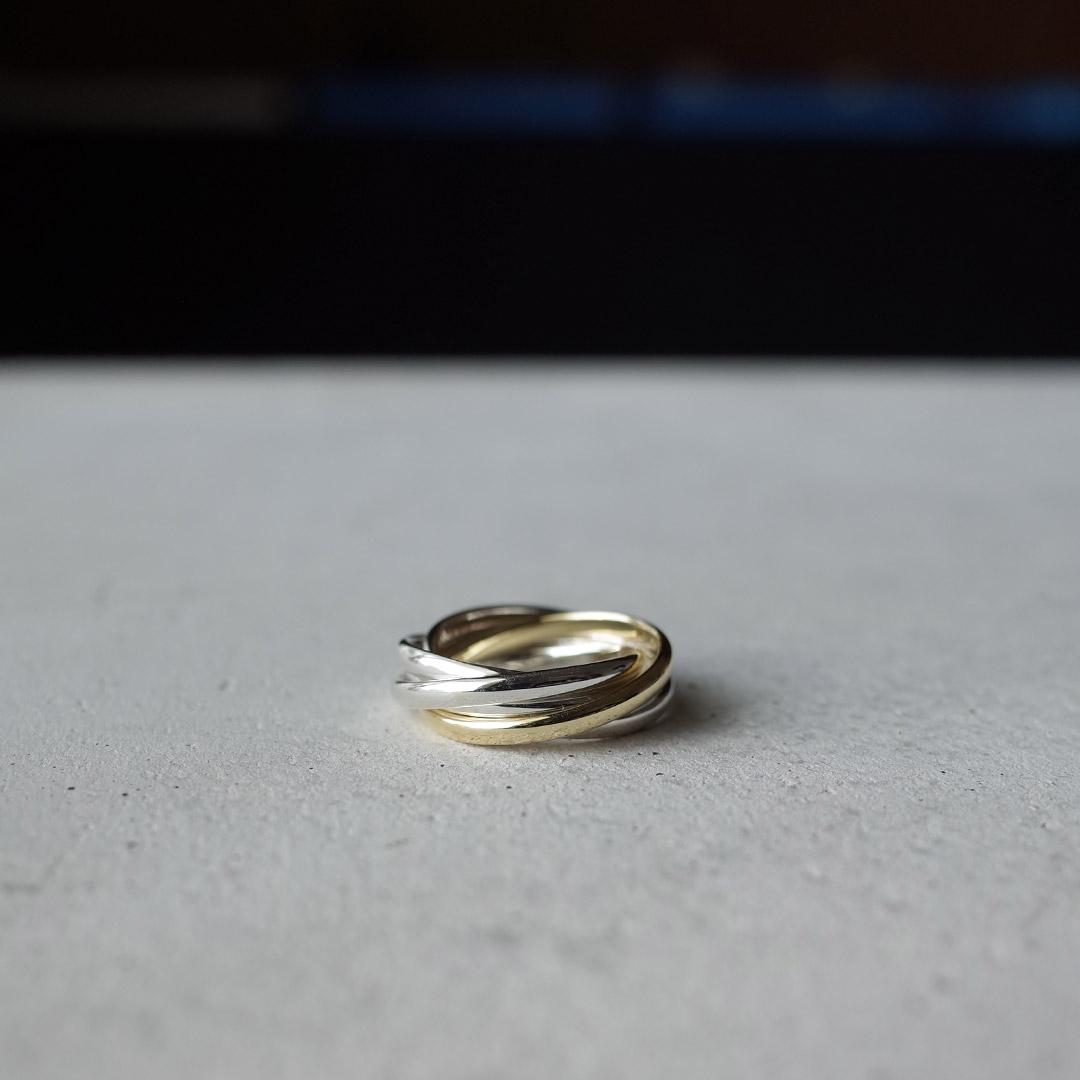 新潟で買える結婚指輪と同デザインのお洒落な5連リング