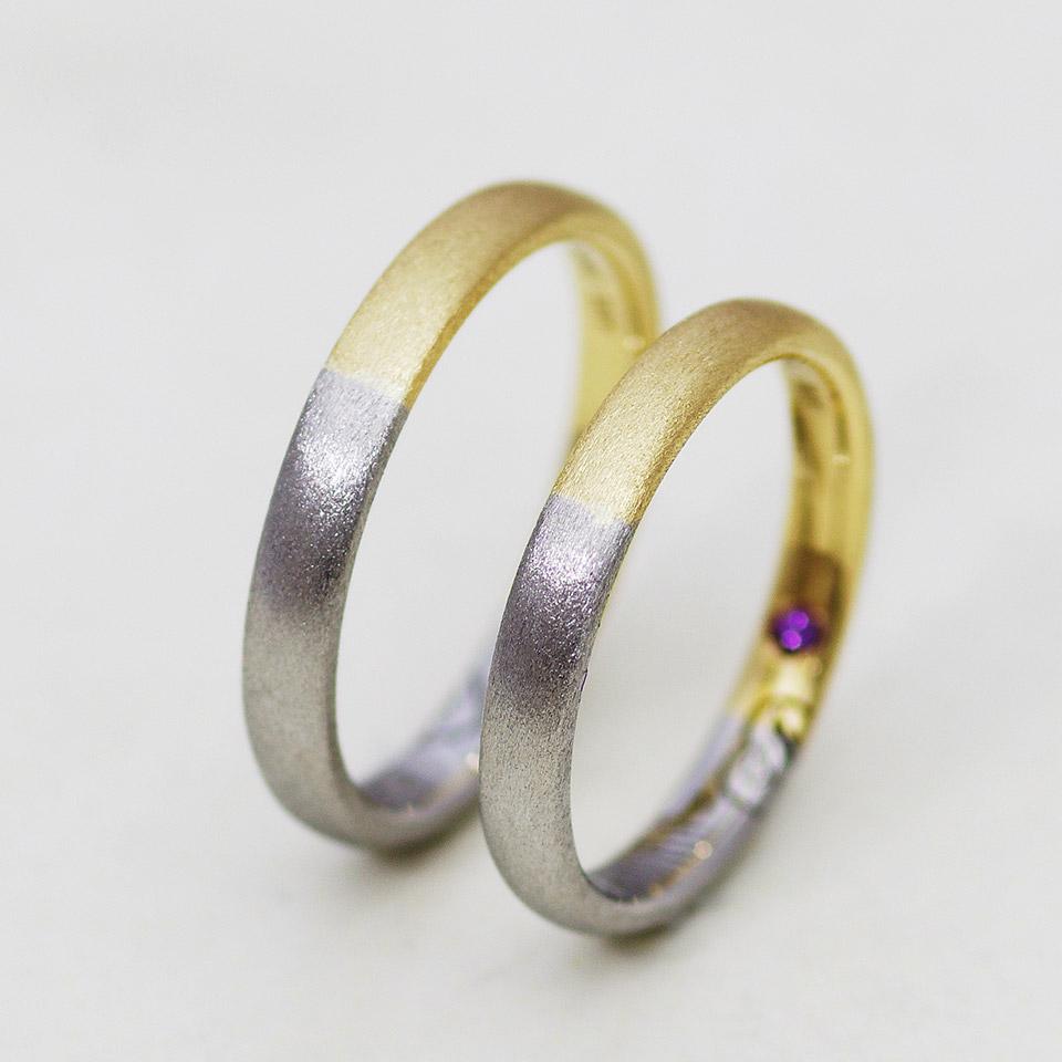 プラチナとイエローゴールドのコンビ加工の結婚指輪