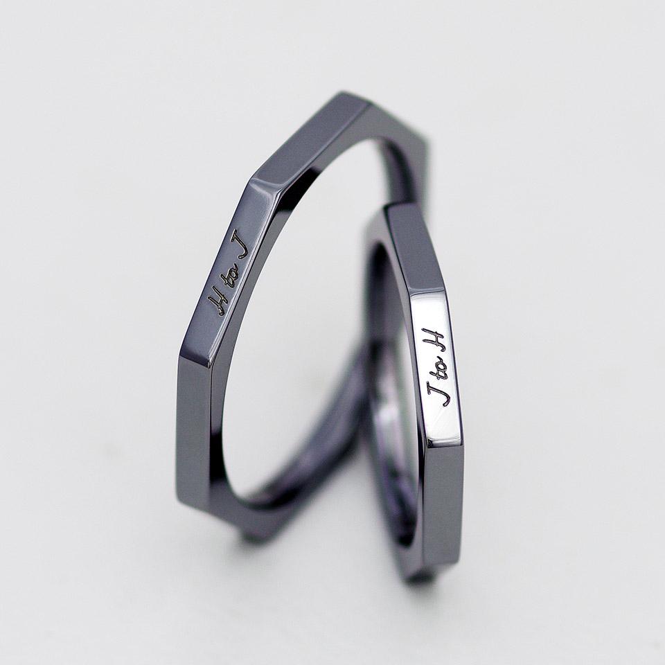 八角形の特殊な形の金属アレルギーに対応したタンタル素材の結婚指輪