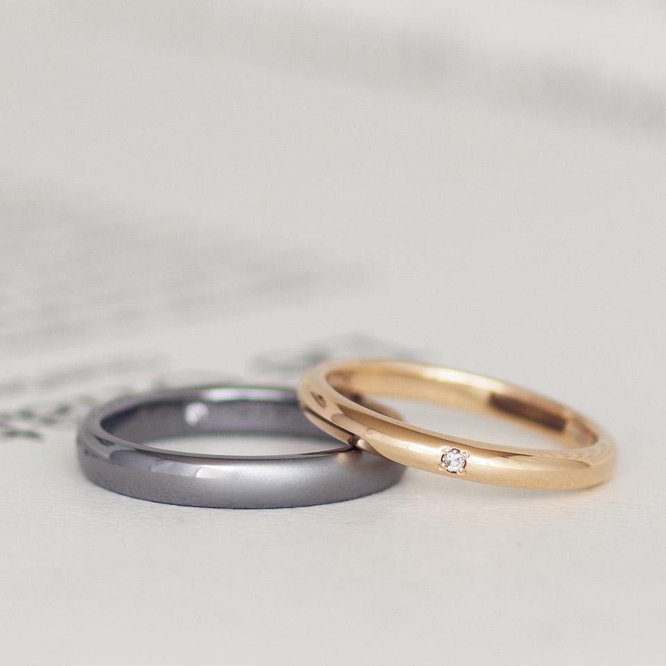 タンタルとピンクゴールドのペアの結婚指輪