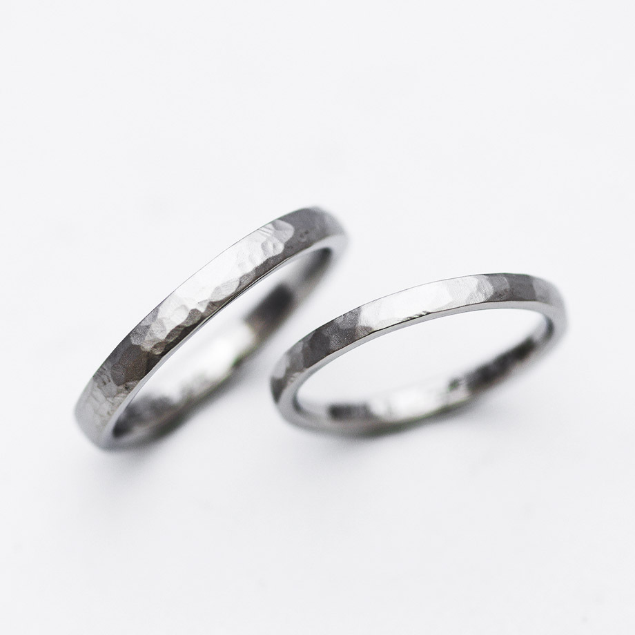 自宅で手作りする鎚目デザインの結婚指輪
