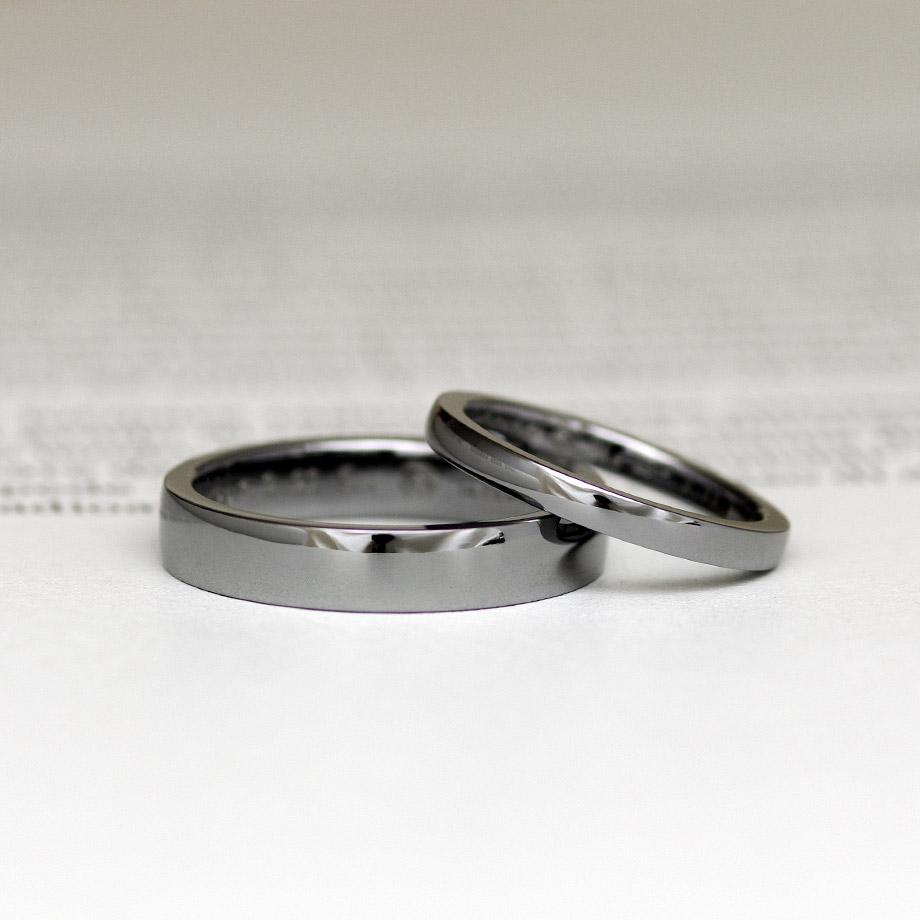 シンプルな平打ちストレートの結婚指輪