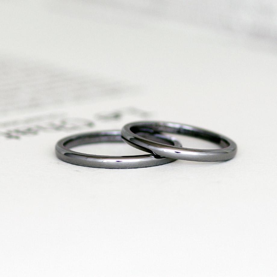 シンプルな甲丸ストレートの結婚指輪