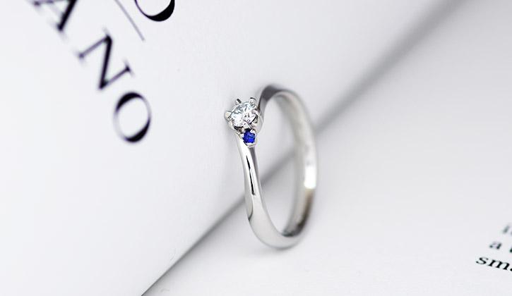 手作りのシンプルな婚約指