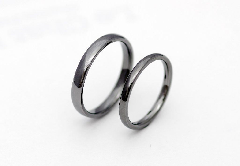 甲丸のタンタルの結婚指輪
