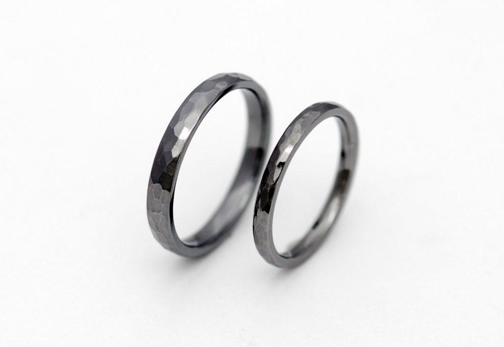鎚目のタンタルの結婚指輪