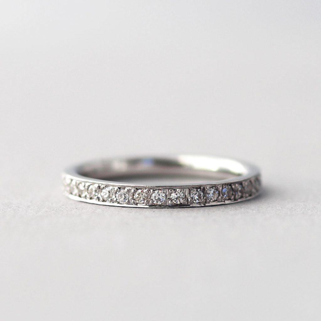 ストレートの婚約指輪(エンゲージリング・プロポーズリング)/エタニティリング