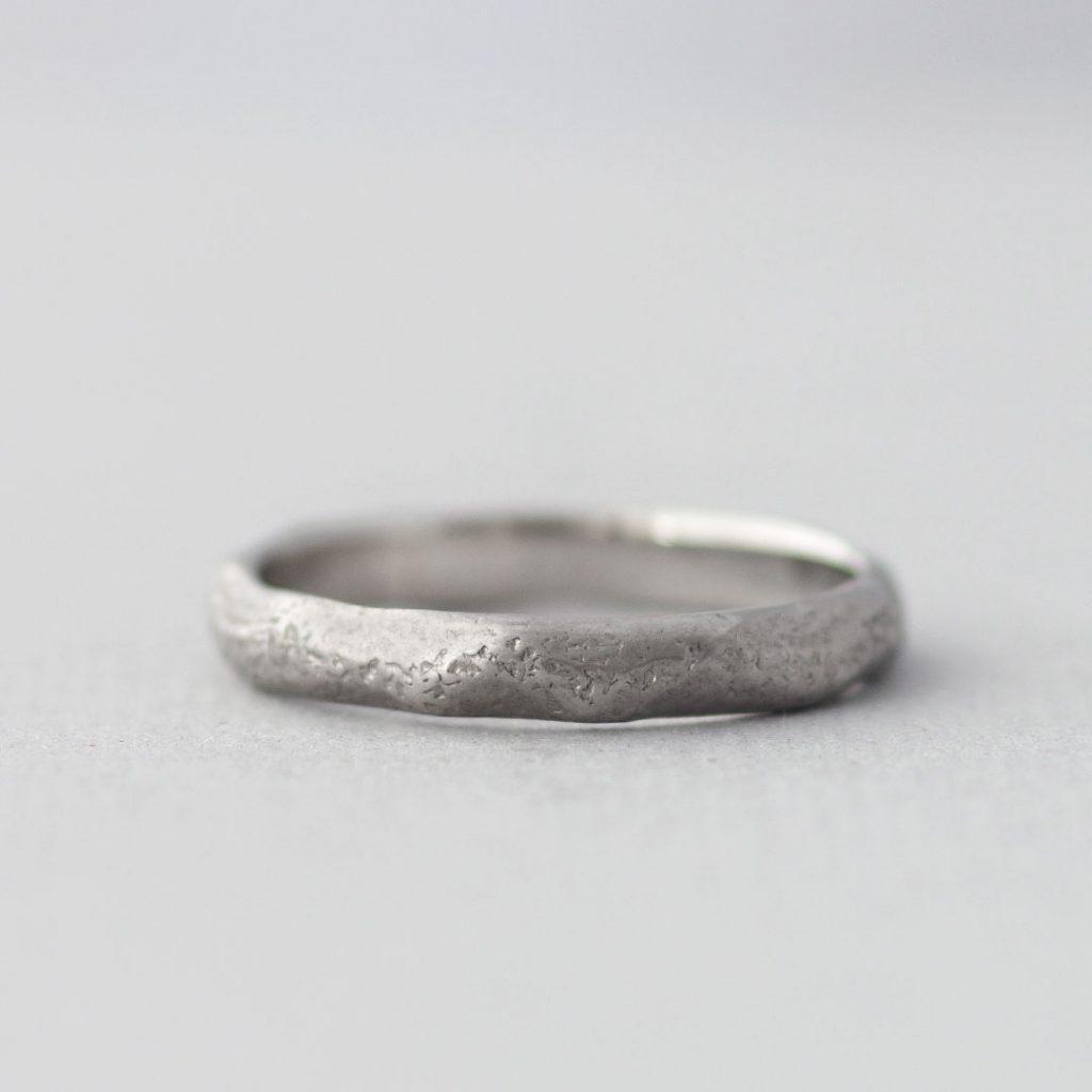 個性的な結婚指輪(マリッジリング)