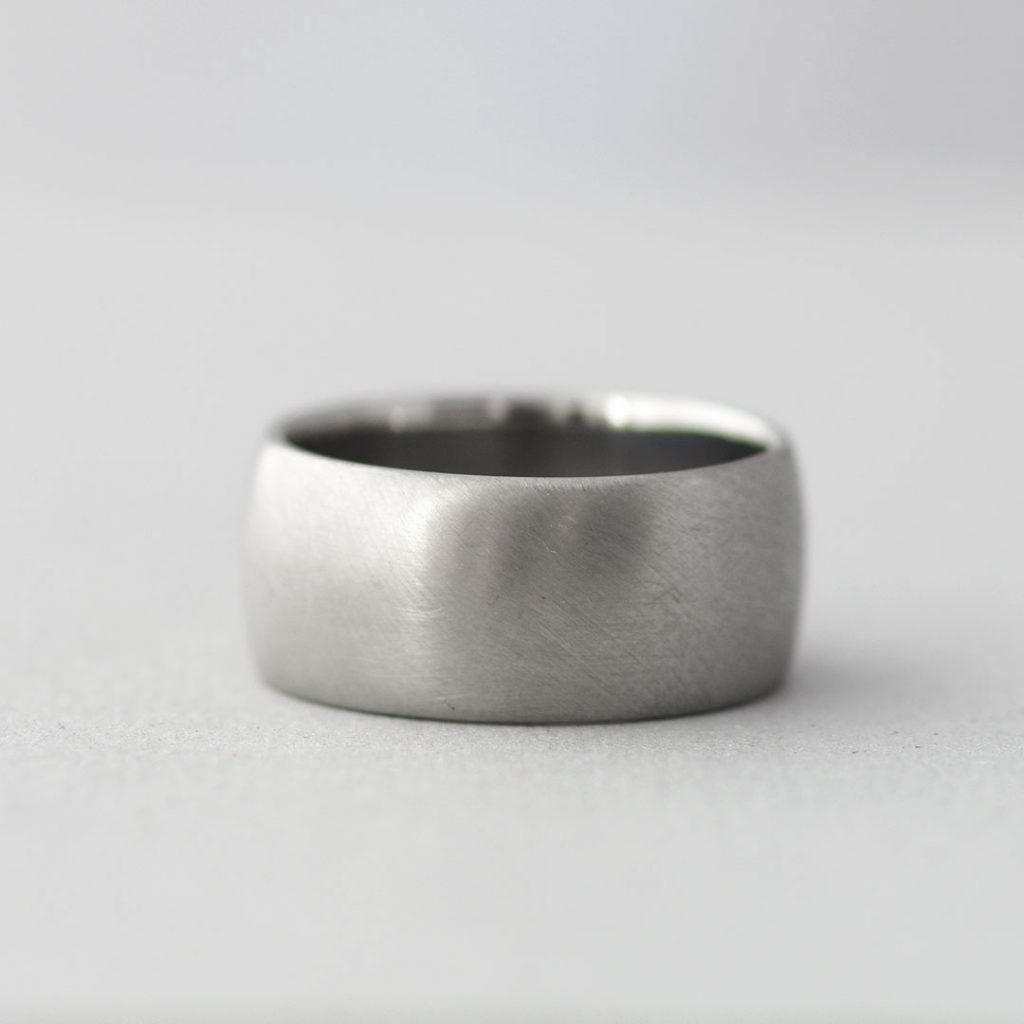 極太・幅広の結婚指輪(マリッジリング)