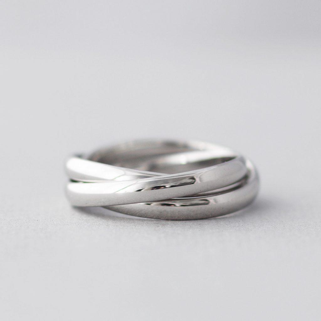 三連の結婚指輪(マリッジリング)