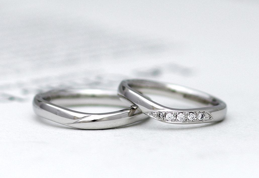 ゴージャスな雰囲気の結婚指輪(マリッジリング)