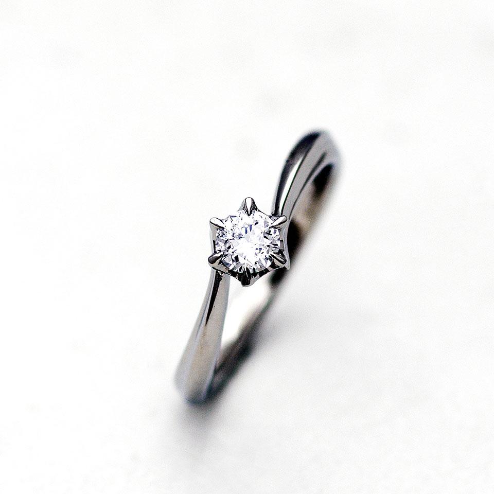 プラチナのシンプルな婚約指輪(エンゲージリング)