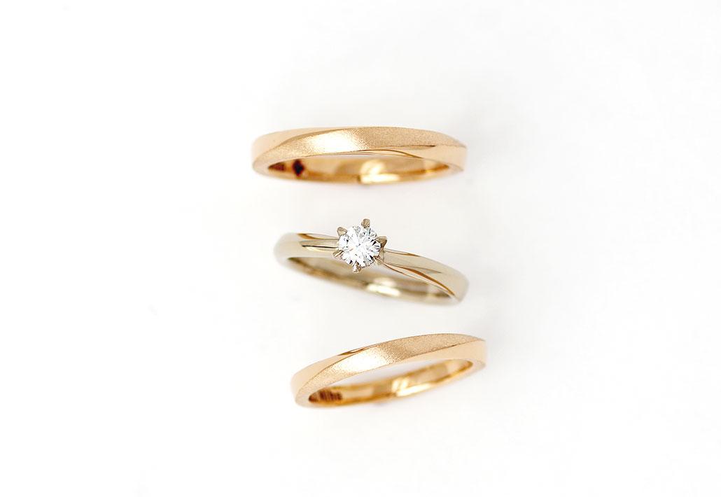 ピンクゴールドの結婚指輪(マリッジリング)とブラウンゴールドの婚約指輪(エンゲージリング)のセットリング