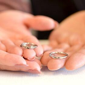 アトリエクラム長岡店でオーダーされた結婚指輪(マリッジリング)と婚約指輪(エンゲージリング)