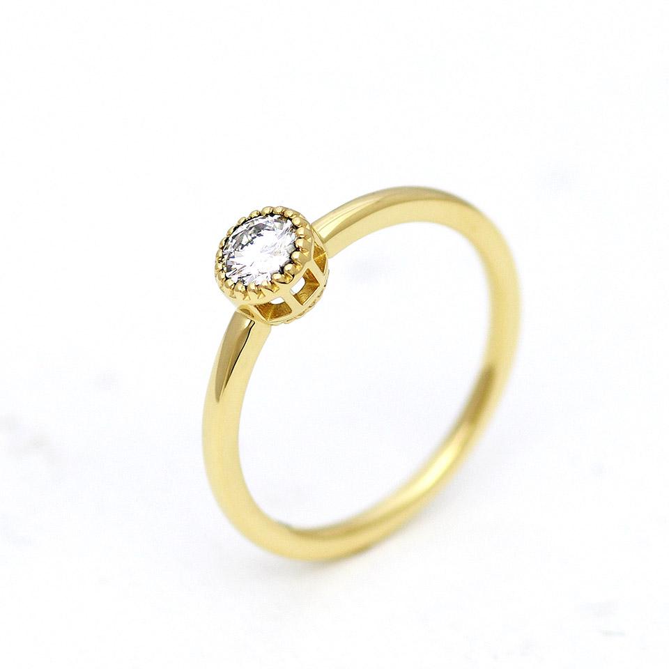 アンティークなゴールドの婚約指輪(エンゲージリング)