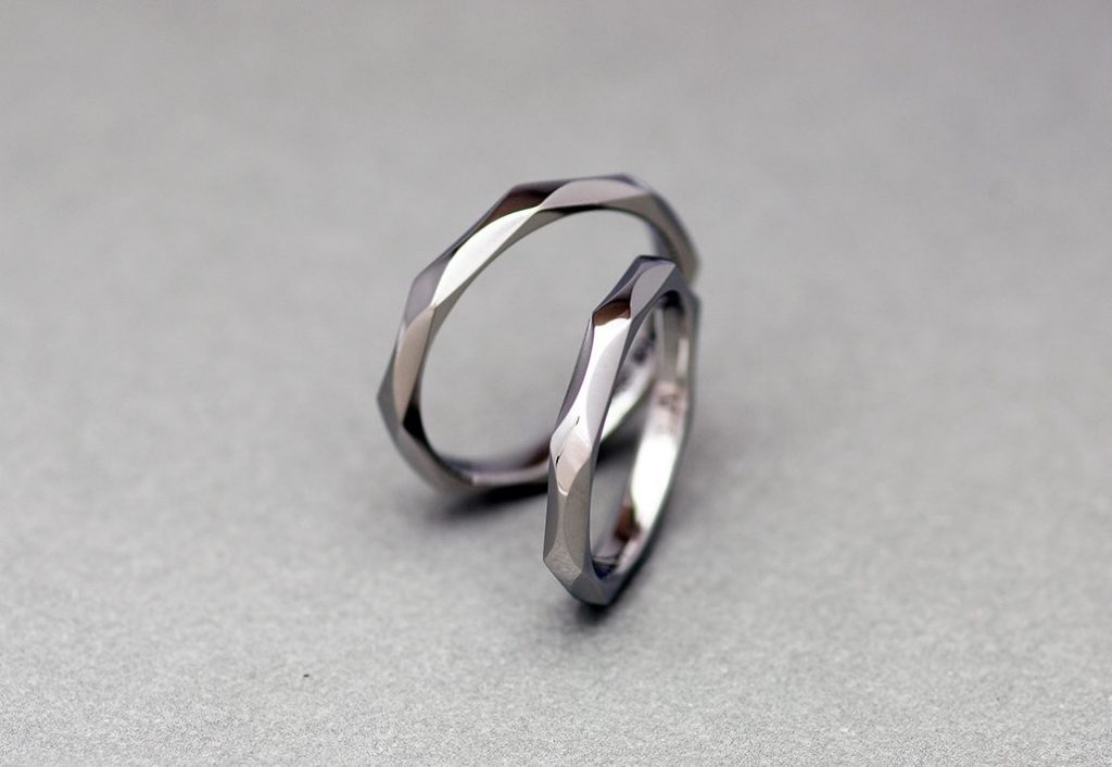 サージカルステンレスの結婚指輪
