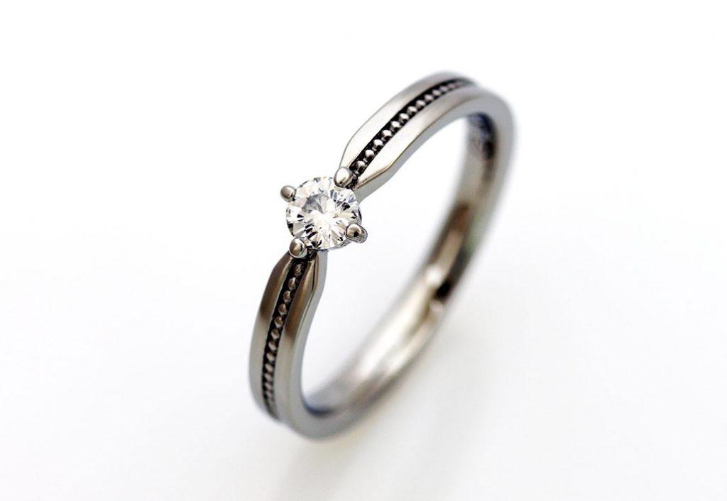 サージカルステンレスの婚約指輪