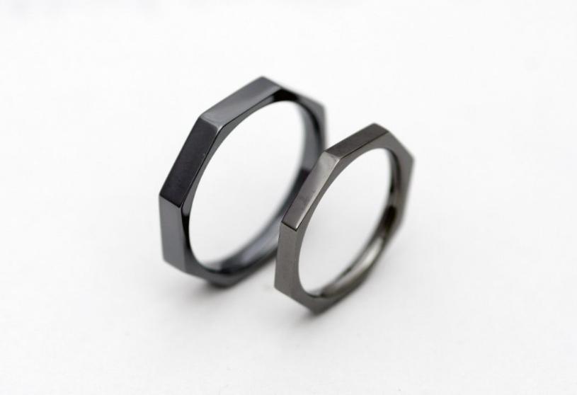 八角形のタンタルの結婚指輪