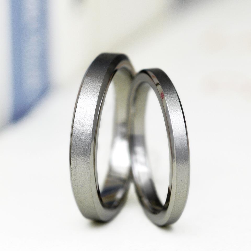 アレルギーフリー素材のチタン素材の結婚指輪