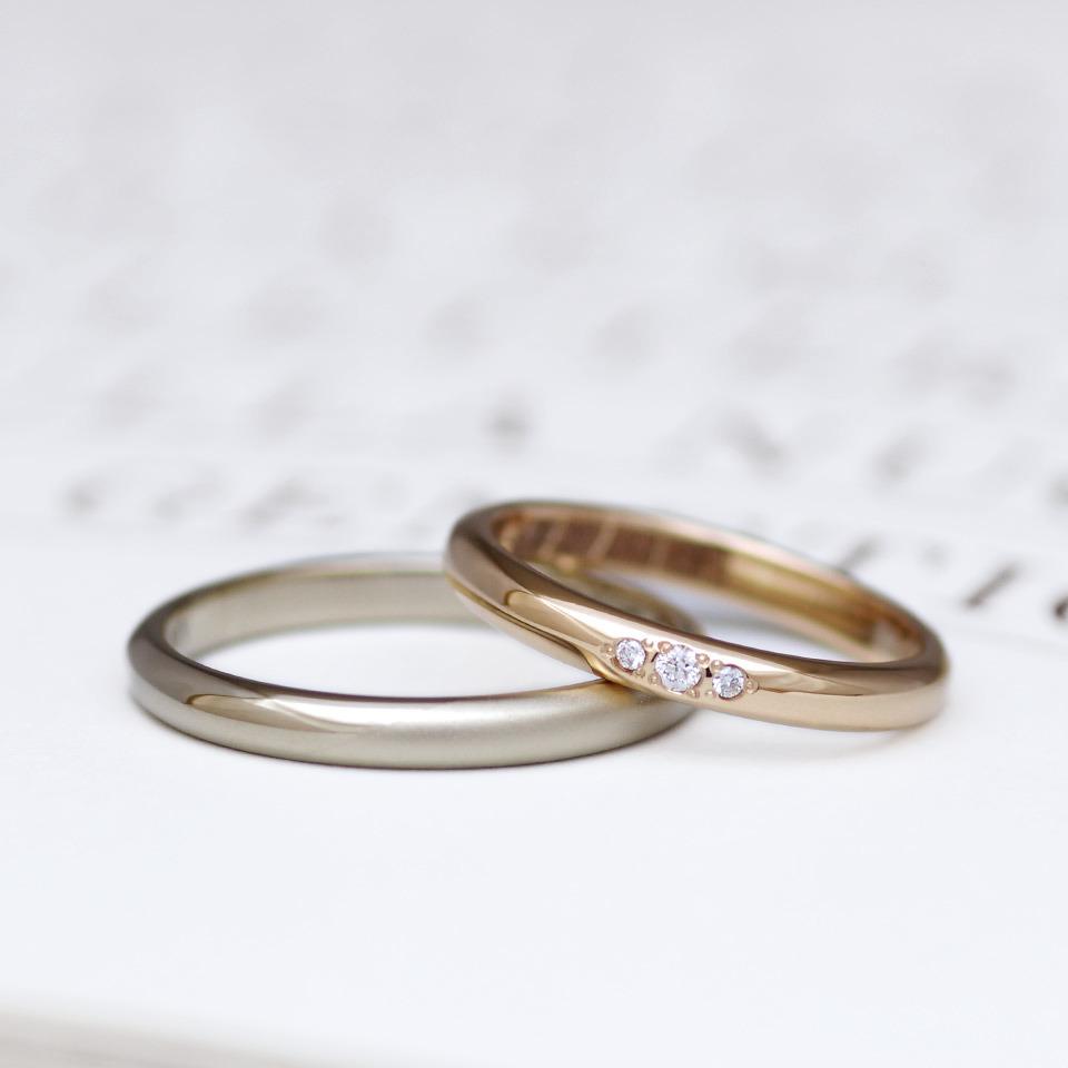 シンプルで人気の甲丸デザインの結婚指輪