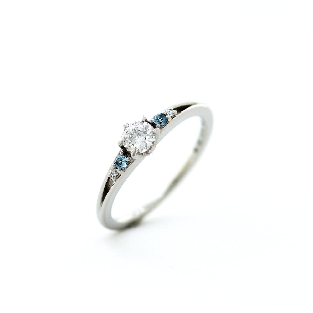 プラチナの婚約指輪(婚約指輪・エンゲージリング)