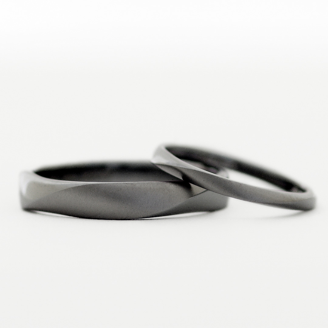 タンタルの結婚指輪 参考価格:¥433,400(2本)